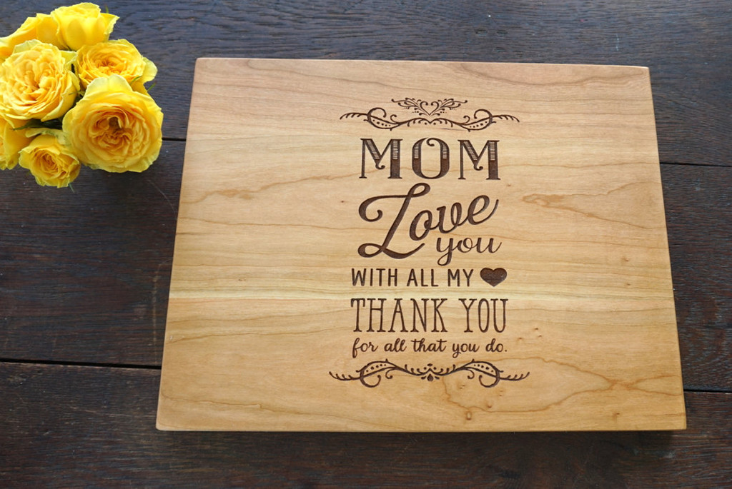 Mom love you with all my heart cutting board by TheCuttingBoardShop