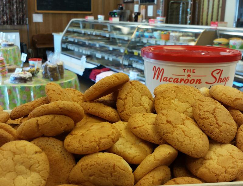Golden almond macaroons!