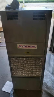 NEW KOOLTRONIC AC AIR CONDITIONER/ HEATER FOR ELECTRONICS CABINET K2A3C24TP52R-1