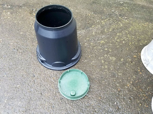 """Channell Small Round Plastic 8"""" Underground Vault With Lid Fast Shipping!!!"""