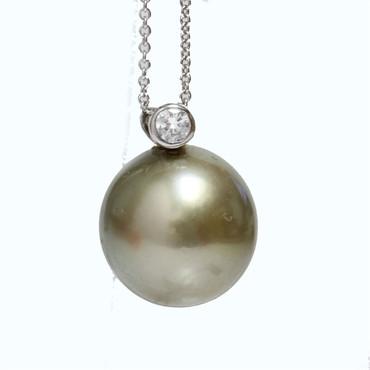 Tahitian Pearl & Diamond Pendant  14 MM AAA Pistachio