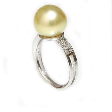 South Sea Pearl & Diamond Sincere Ring 11 MM Light Golden AAA