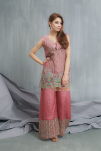 HEM Blossom sleeves attached with Gharara