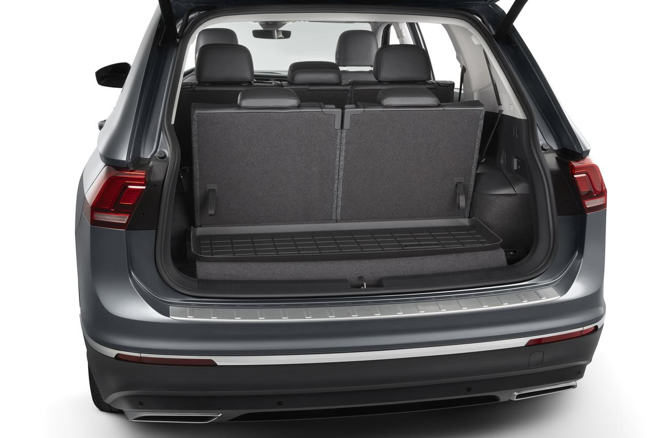 2018-2021 VW Tiguan Rubber Cargo Tray - 7-Passenger Model