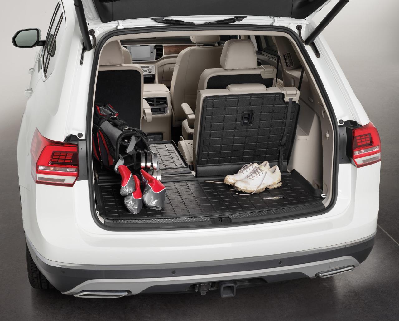 2018-2022 VW Atlas Rubber Cargo Mat w/ Seat Back Protector