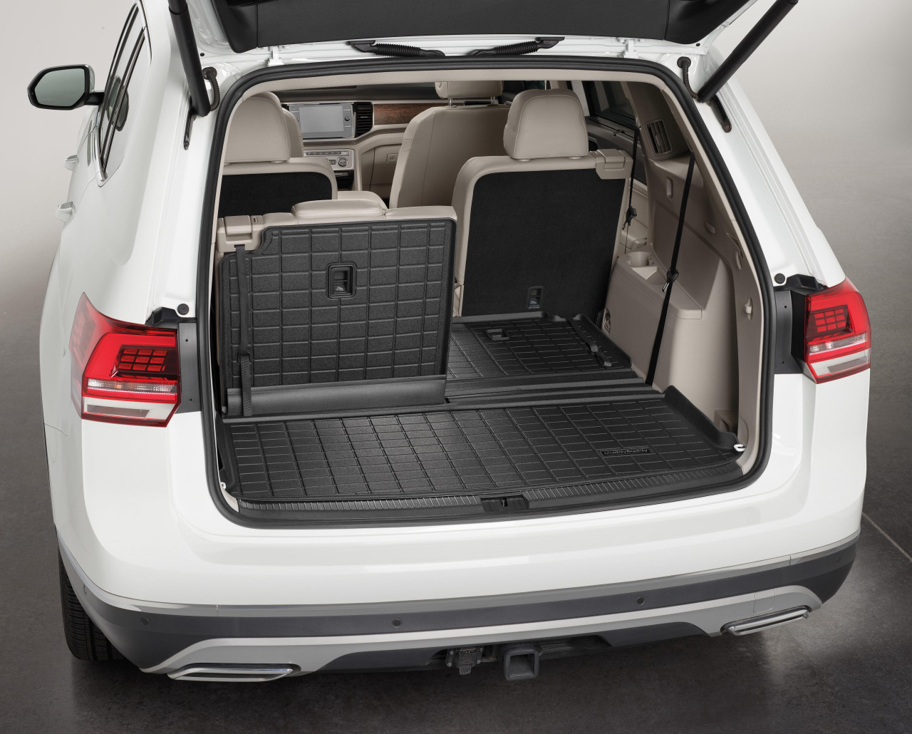 2018-2020 VW Atlas Rubber Cargo Mat w/ Seat Back Protector