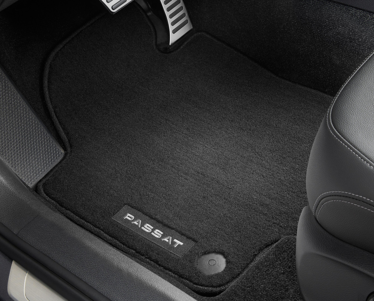 2020-2022 Volkswagen Passat Carpet Floor Mats