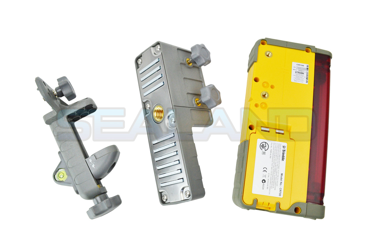 Trimble CR700 Receiver with Staff Bracket and Machine Mount