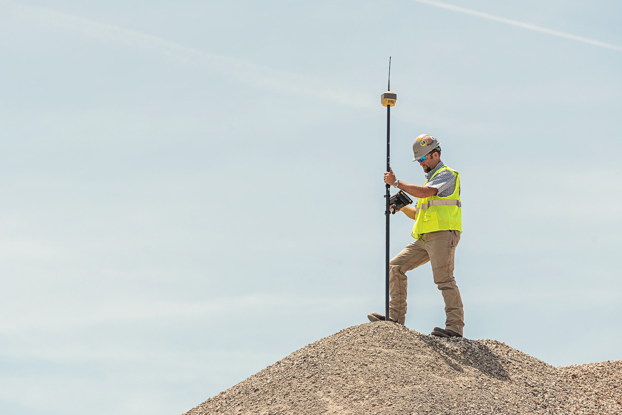 Topcon Hiper HR for volume calculations and stock reports