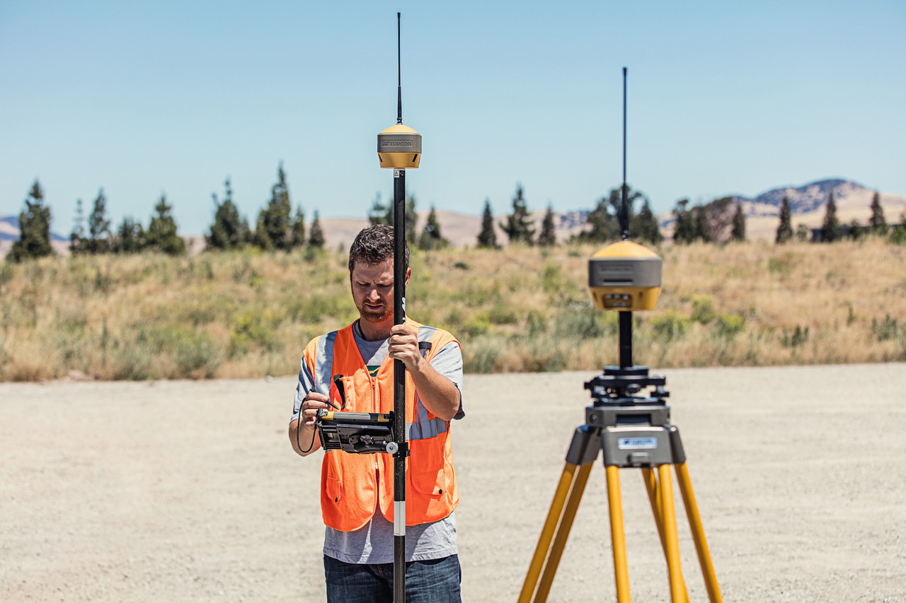 Topcon Hiper HR RTK base and rover with FC-5000