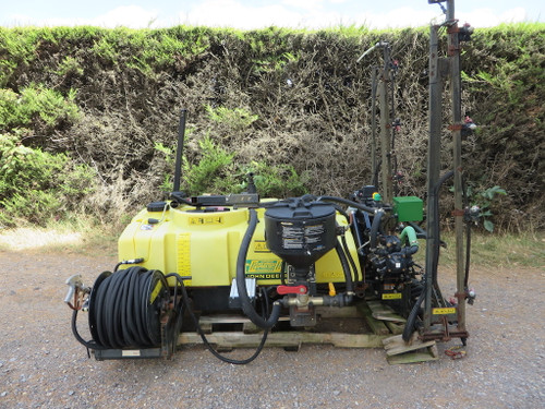 John Deere HD200 Sprayer (PIL3542)