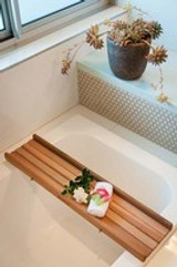 Is Western Red Cedar a sustainable timber suitable for chairs or bath mats