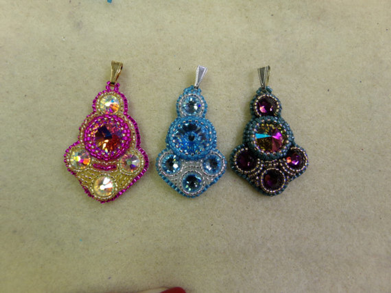 Bollywood Bead Embroidery Pendant Tutorial