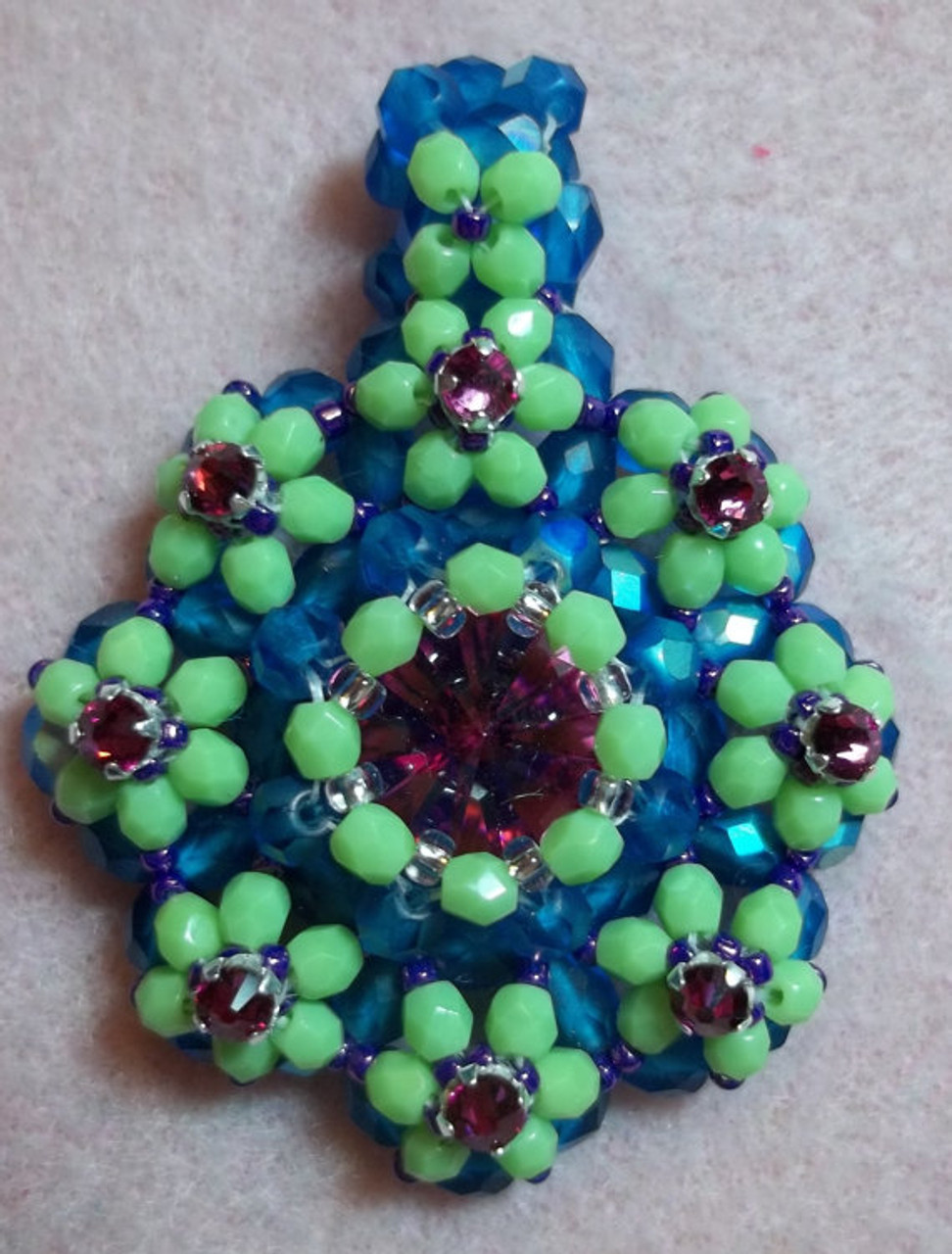 Tula Flower Pendant Tutorial