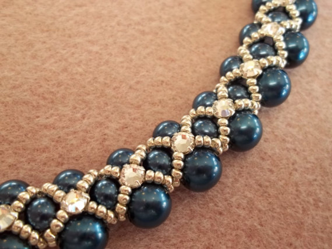 Montee Embellished Pearl Collar Necklace Tutorial