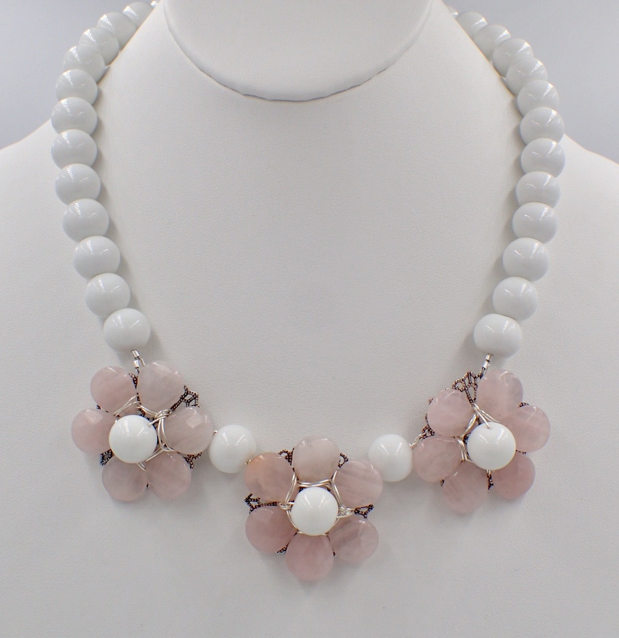 Pink & White Flower Power Necklace Kit