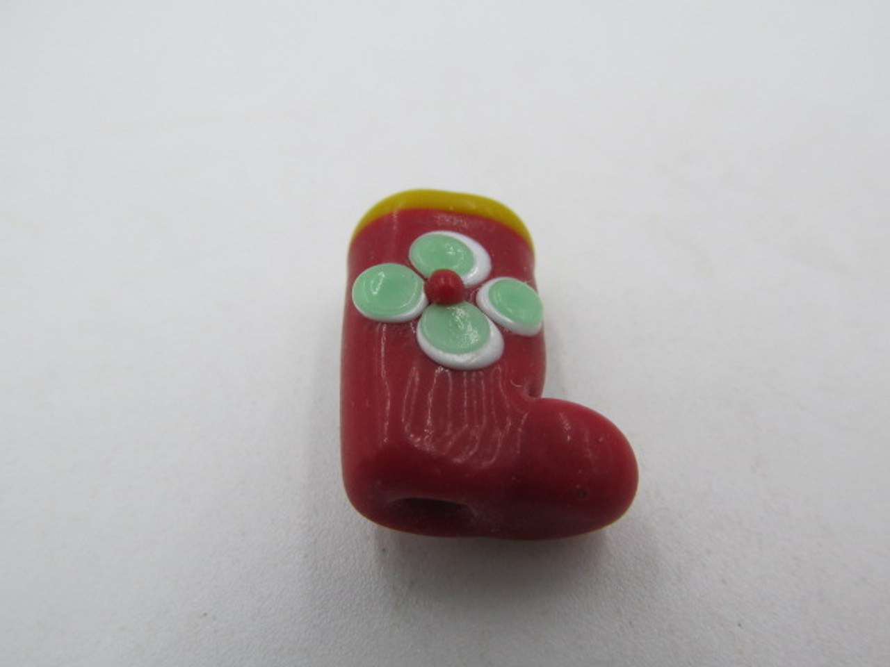 18x13mm Red Glass Stocking w/ Green Flower