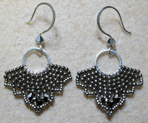 Fly by Night Earrings Tutorial