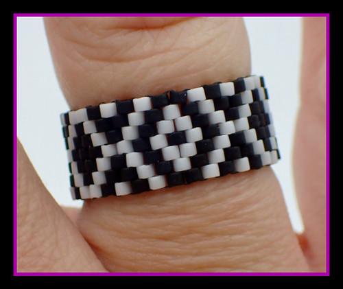 Black & White X Marks the Spot Ring Kit