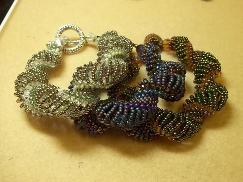 Expanding Curves Bracelet PRINTED Pattern