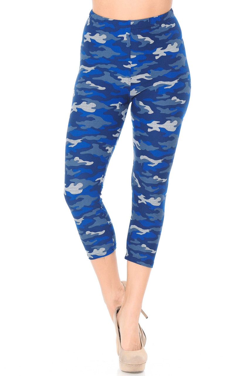 These Buttery Soft Blue Grid Camouflage Capris feature a 360 degree all over camo print.