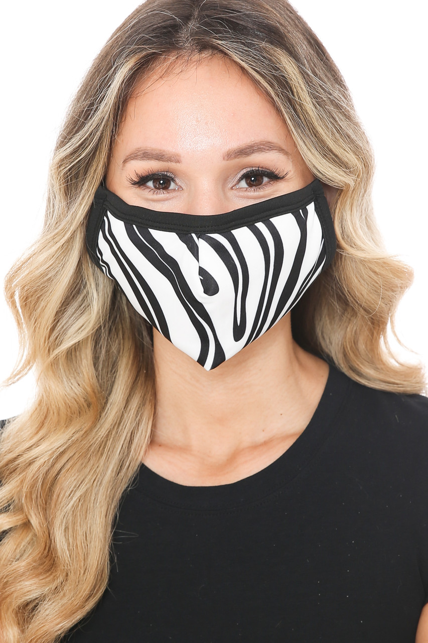 Front view of Zebra Groove Graphic Print Face Mask featuring a black and white wavy stripes design.