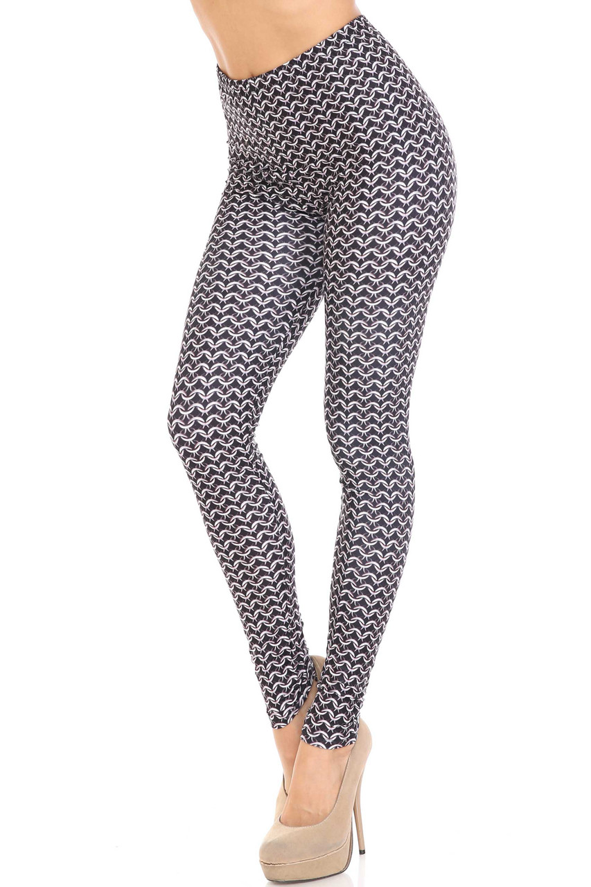 45 degree view of Creamy Soft Chainmail Plus Size Leggings - USA Fashion™ with a cool all over chain link design.