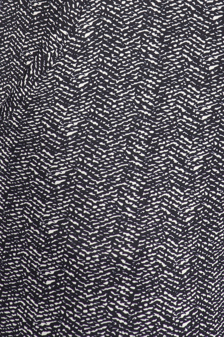 Close-up fabric swatch of Crackled Zigzag High Waisted Body Sculpting Treggings with Pockets