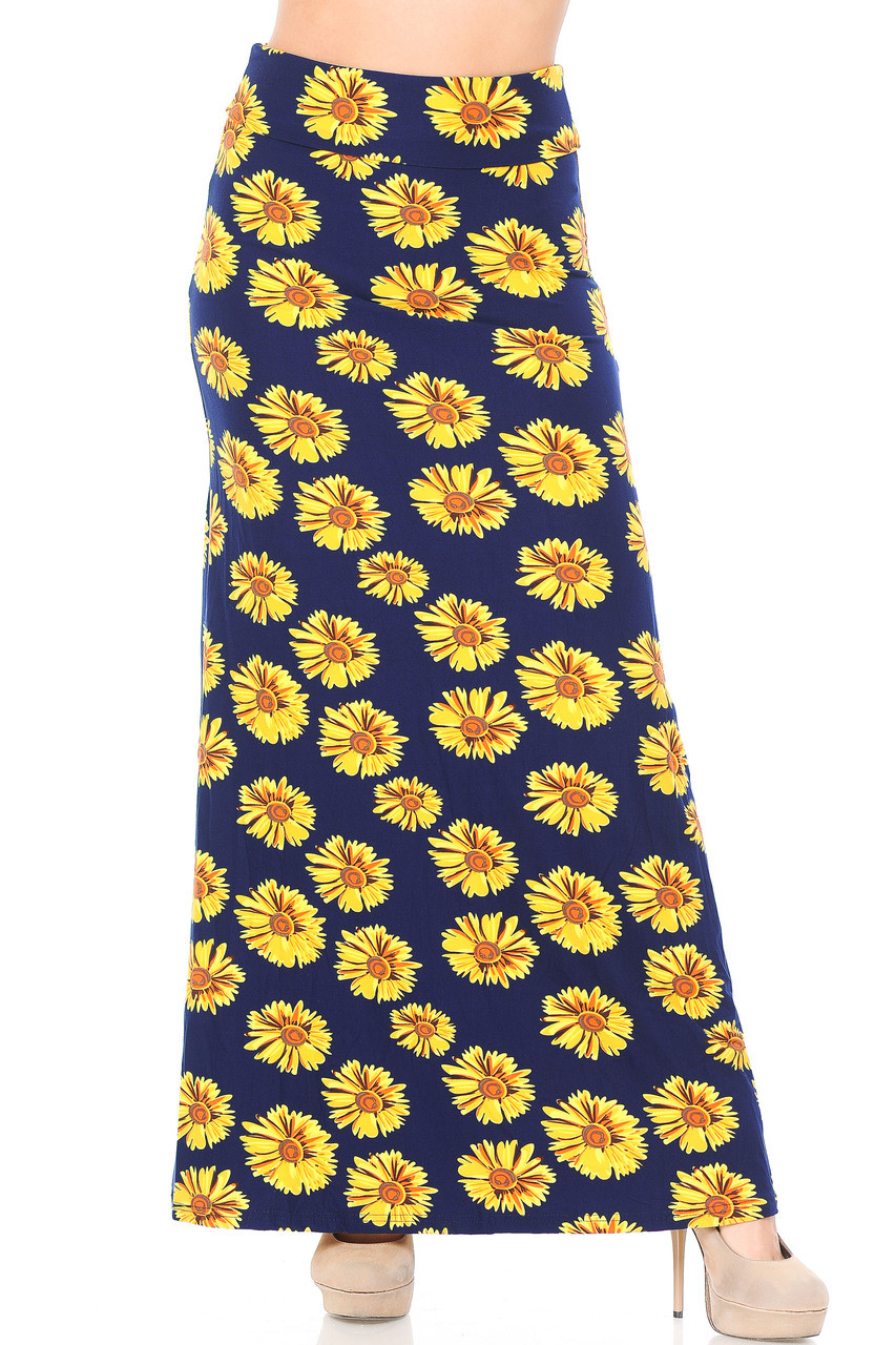 Front of Buttery Soft Summer Daisy Plus Size Maxi Skirt with a beautiful floral design for all seasons.