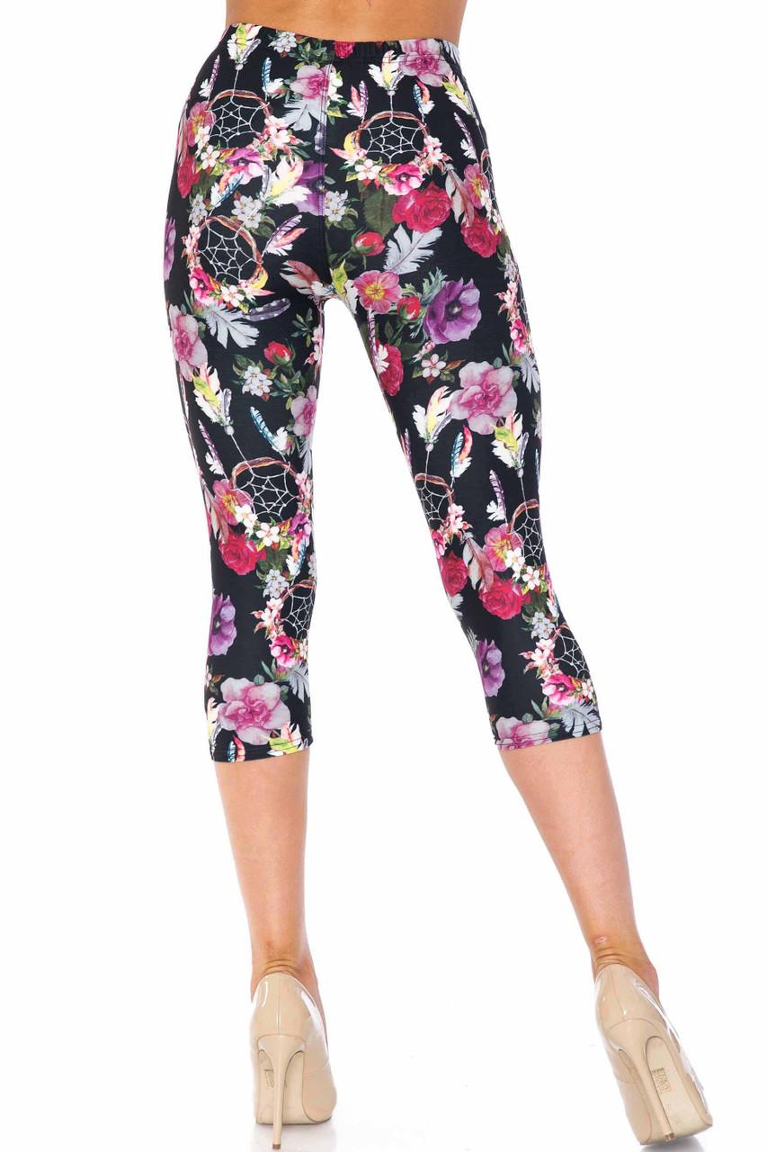 Creamy Soft Floral Dreamcatcher Extra Plus Size Capris - 3X-5X - USA Fashion™