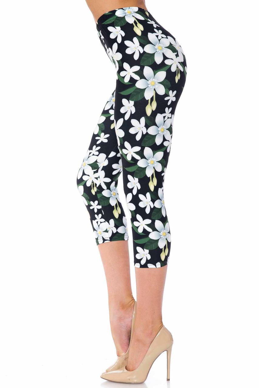 Creamy Soft Daisy Bloom Plus Size Capris - USA Fashion™