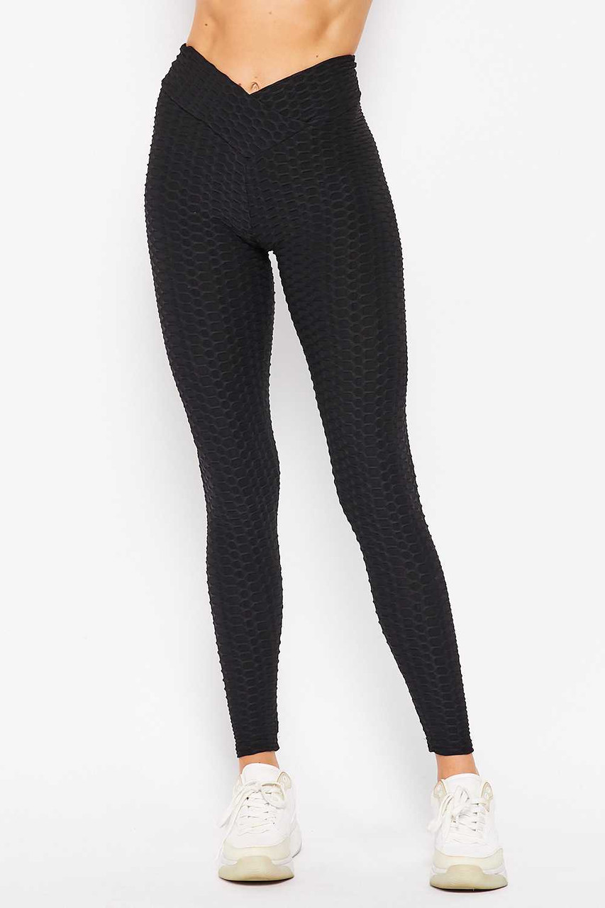 Front side image of black Scrunch Butt Textured V-Waist High Waisted Plus Size Leggings with Pockets