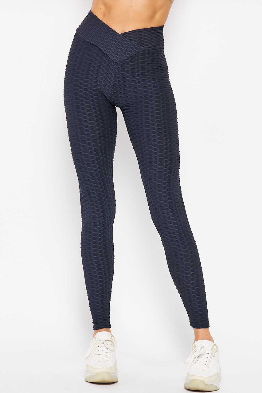 Front side image of Navy Scrunch Butt Textured V-Waist High Waisted Plus Size Leggings with Pockets