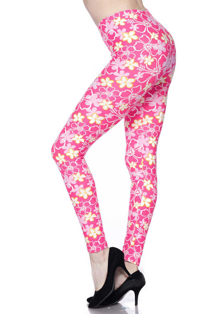 Buttery Soft Pink Daisy Plus Size Leggings