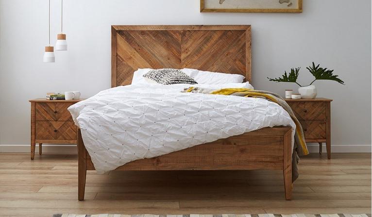 Mosaic bed
