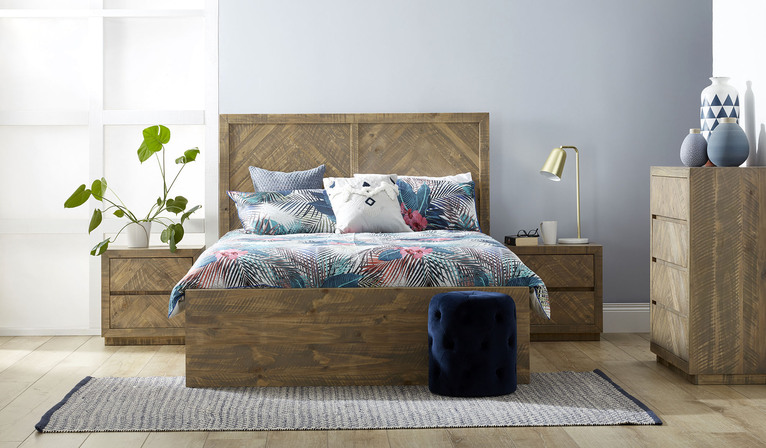 Nikolai 4 piece bedroom suite