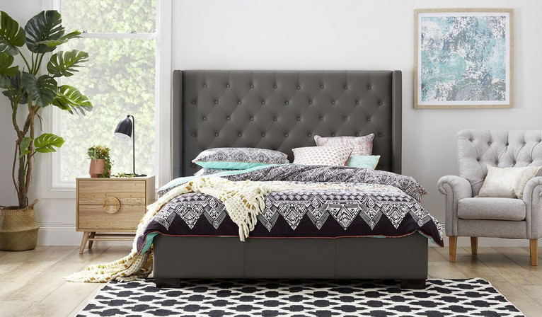 Toulouse leather bed