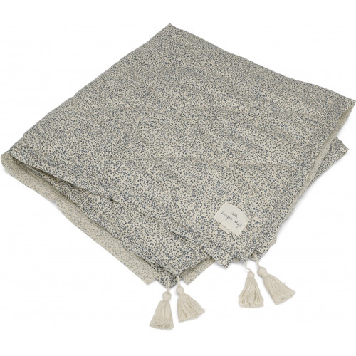 The exclusive quilted blanket is made in the finest and softest organic cotton in Blue Blossom Mist ensuring it will be soft, warm and timeless.