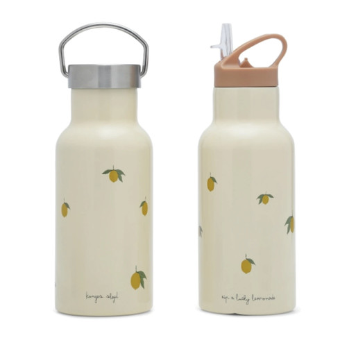 This thermo bottle by Konges slojd is perfect for school & daycare. Keeps cold drinks cold, and warm drinks warm.