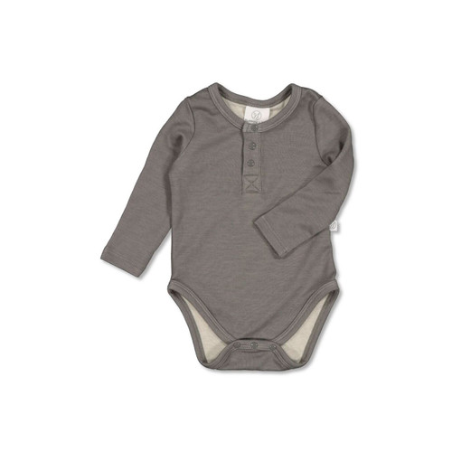 Arch & Bear has the go-to range of quality Baby & Children essential clothing by Burrow & Be offering a mixture of knitwear, bodysuits, leggings and much more.