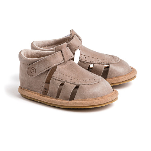 Arch & Bear has the go-to range of quality Baby & Children footwear by kiwi brand Pretty Brave.
