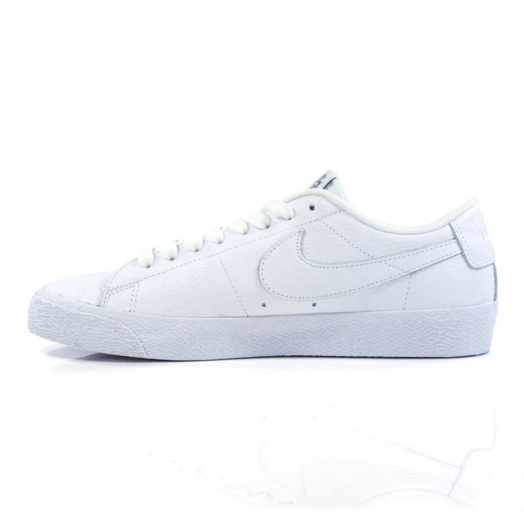 Nike SB x NBA Zoom Blazer Low Shoes - White/White-Rush Blue-University Red