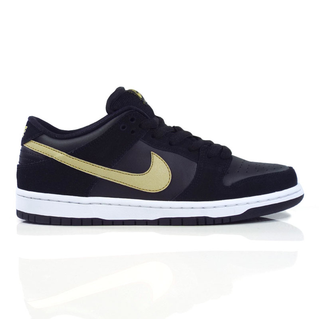 c162ee4209d7 Nike SB Zoom Dunk Low Pro (Takashi) Shoes - Black Metallic Gold ...