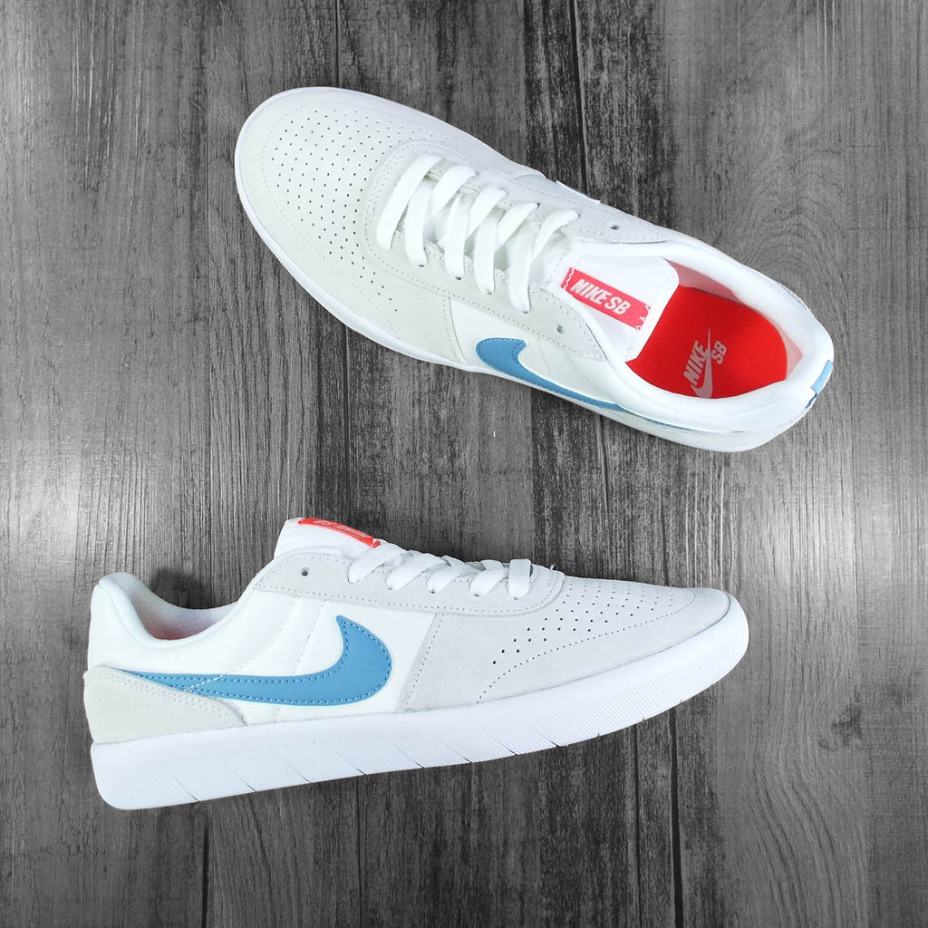 Nike SB Team Classic Premium Shoes - Summit White/Cerulean-White