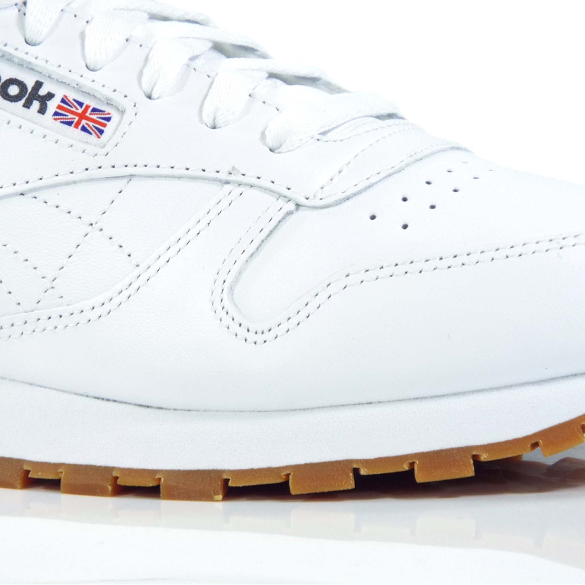 meilleures baskets f8698 6134b Reebok Classic Leather Shoes - White/Gum