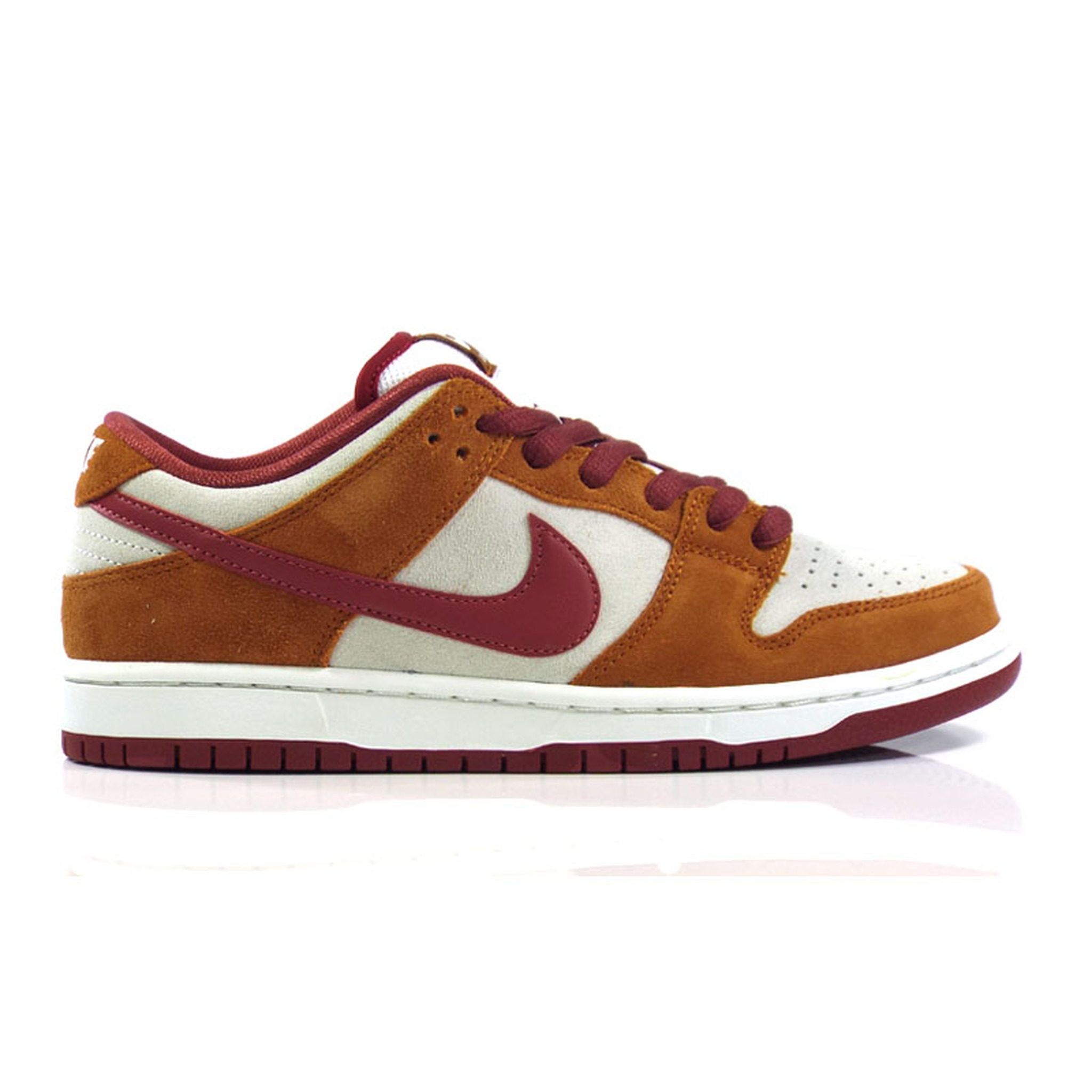 huge discount aaedc a1f81 Nike SB Zoom Dunk Low Pro Shoes - Dark Russet/Cedar-Summit White