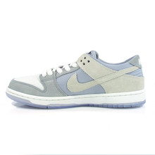 Nike SB Dunk Low Pro Shoes - Wolf Grey/Summit White-Clear