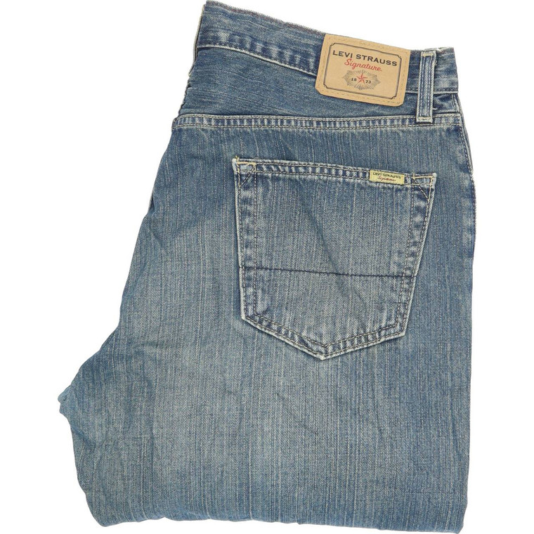 Levi's Strauss Straight Regular W36 L34 Jeans in Good used condition with little wear. Fast & Free UK Delivery. Buy with confidence from Fabb Fashion. image 1