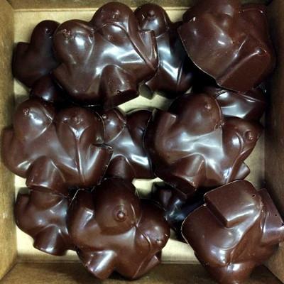 Box full'o Boobies in Dark chocolate