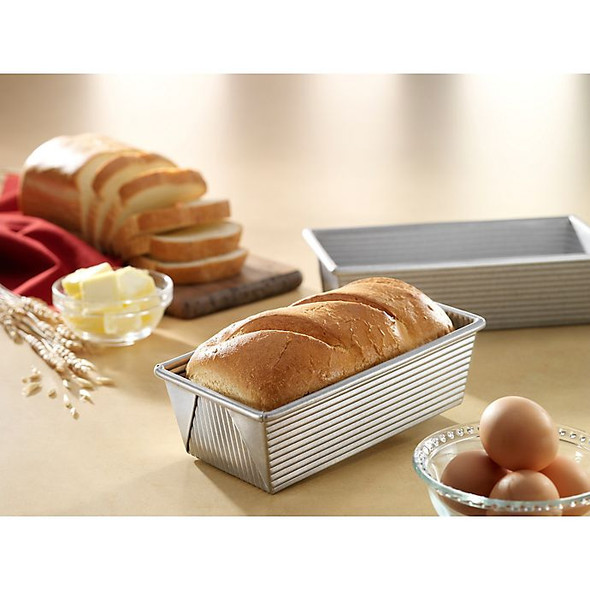 USA Pan Nonstick 8-1/2-Inch x 4-1/2-Inch Loaf Pan